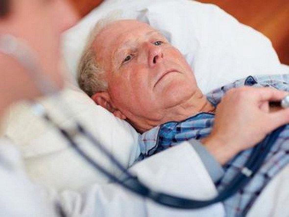 Перегруженная система здравоохранения в штате также на грани краха.