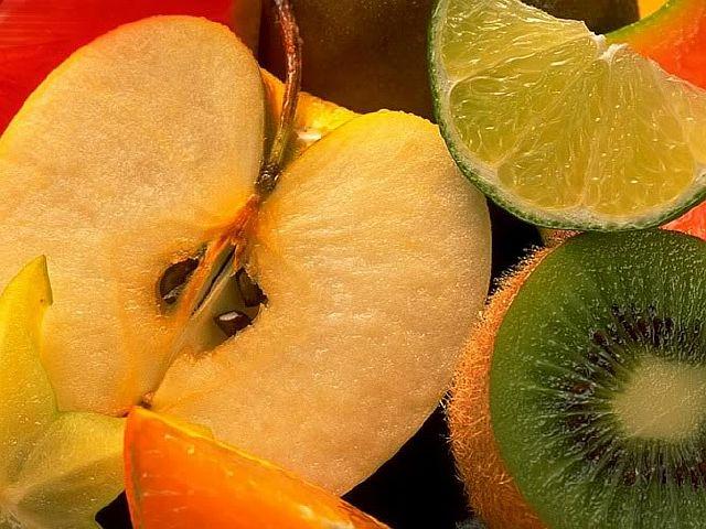 Натуральные сладости и фрукты