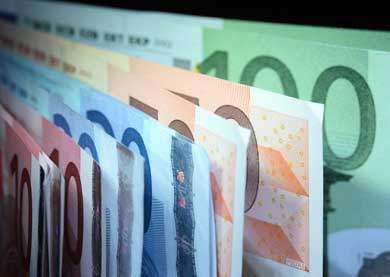 Попыткам еврозоны выбраться из кризиса мешает бремя долгов гораздо выше докризисных уровней