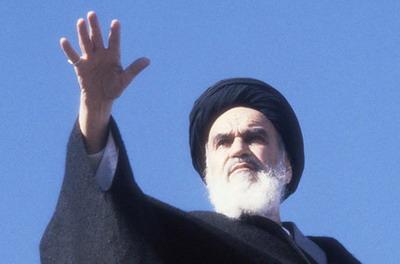 Духовный лидер шиитского Ирана Аятолла Хомейни