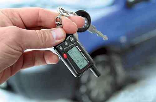 Используя «загадочные устройства» воры открывают машины и крадут их содержимое