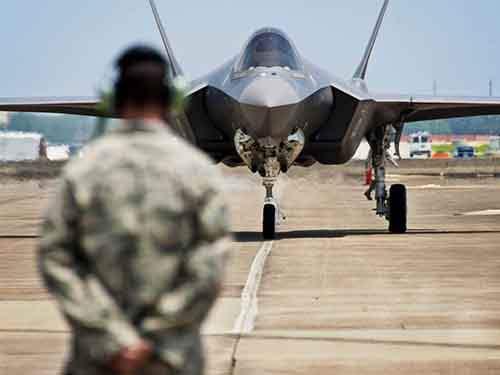 Проект истребителя F-35 имеет множество «неприемлемых» проблем