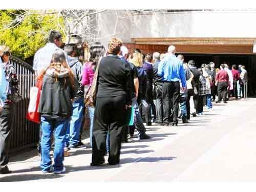 Безработица растёт, несмотря на некоторое оживление мировой экономики