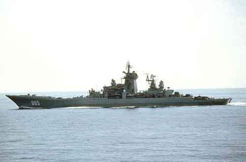 Российский ракетный крейсер с ядерной силовой установкой «Киров» в море