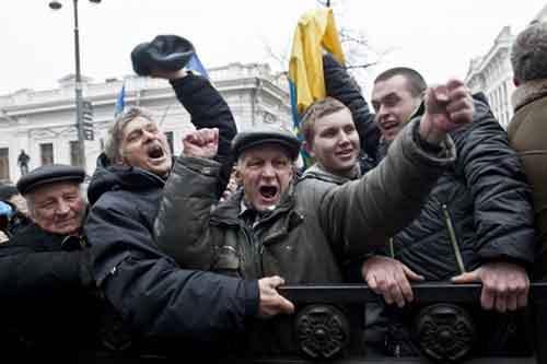 Может быть Киев и покорён, но битва за Крым только начинается