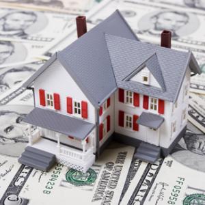Украинцы снова сдают квартиры в долларах