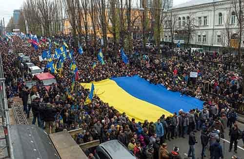 Вслед за Маккейном на Украину приходит смерть