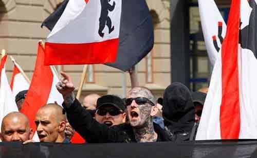В Киев стекаются европейские неонацисты
