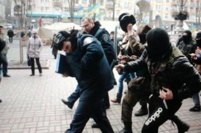 Милиционеры были избиты неизвестными в масках и битами на Крещатике
