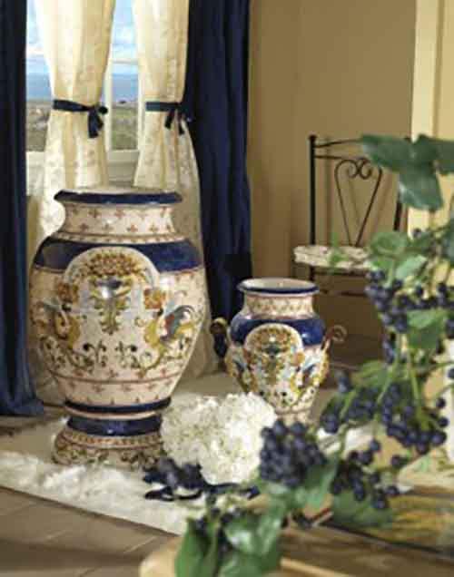Декоративные вазы в интерьере