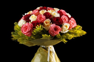 Цветочная база Мосцветторг и букеты цветов для любимых