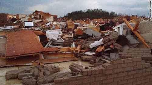 Угроза новых торнадо до сих пор сохраняется  на территории штатов Канзас
