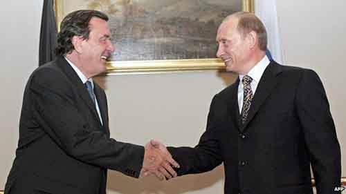 Герхард Шрёдер и Владимир Путин тесно сотрудничали