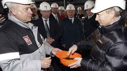 На фоне ухудшения отношений США и России дорожает золото и нефть