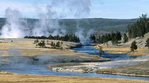 Извержение Йеллоустоунского супервулкана: лоси бегут из заповедника