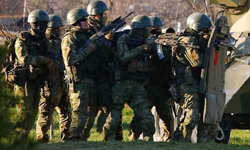 «Люди в сером» атаковали воинскую часть в Мариуполе