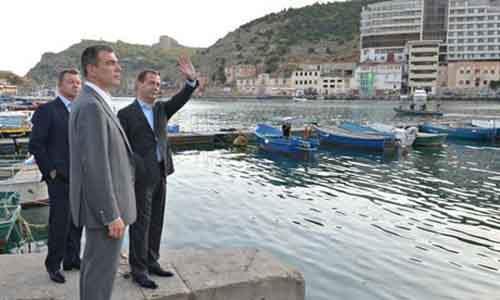 PM Medvedev visits Balaklava, Crimea