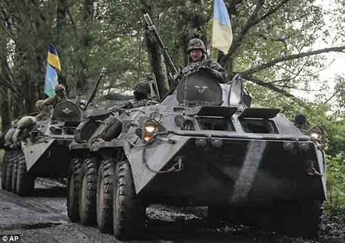 Ополченцы обещали безопасность военным, если они сложат оружие и сдадут базу