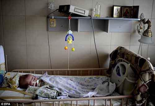 Малыш Евгений не может быть перевезён в другую больницу, потому что это опасно для его жизниМалыш Евгений не может быть перевезён в другую больницу, потому что это опасно для его жизни