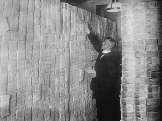 weimar_hyperinflation-925ebb0d4b795418eaef1044d3a1c8c7db2b2e50-s4-c85