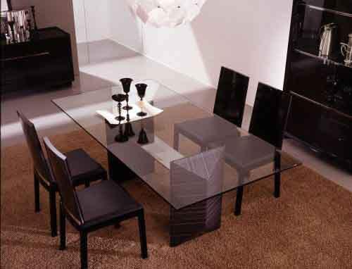 Какой стол подойдет для гостиной, а какой – для кухни?