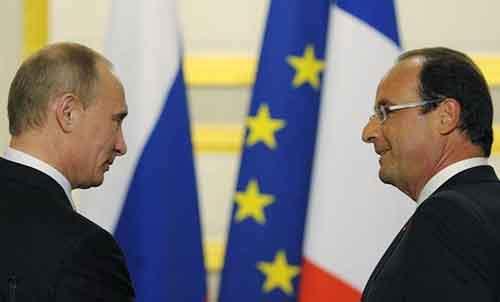 FRANÇOIS HOLLANDE TENTERA D'AMOCER UN DÉGEL DANS LES RELATIONS FRANCO-RUSSES À MOSCOU