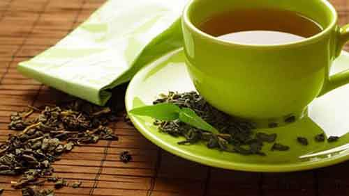 drinking-green-tea-better-than-taking-supplements-1423299284-9408