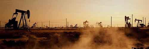 oil-drills-in-a-field-maricopa-kern-panoramic-images