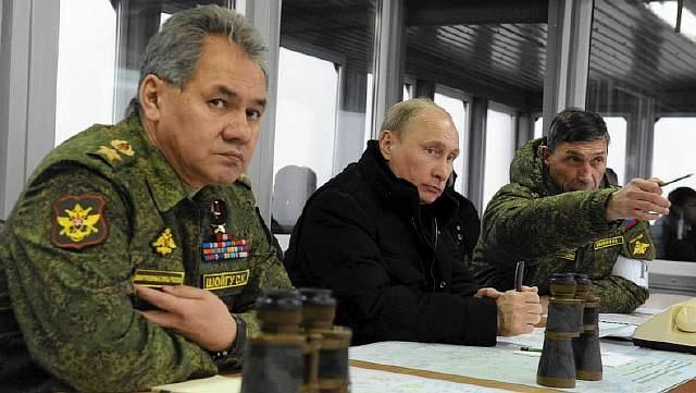 z15561342P,Minister-obrony-Siergiej-Szojgu-i-prezydent-Wladim