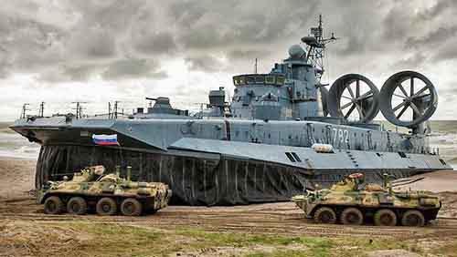 zubr_bisonte_russo_hovercraft_d_assalto