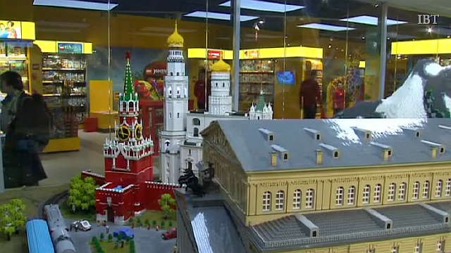 2015-04-01 18-26-54 Moscow  Hamleys opens largest toy store in Europe in Russian capital city - Google Chrome