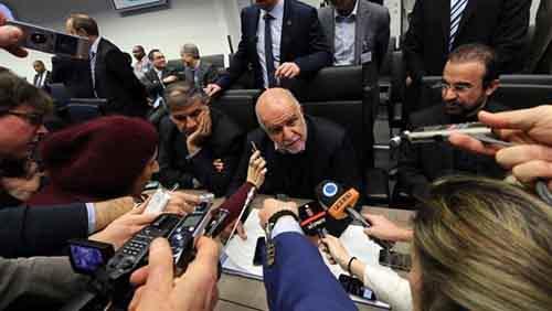 Министр нефтяной промышленности Ирана Биджан Намдар Зангене  отвечает на вопросы журналистов