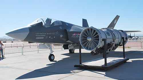 F35-with-Engine