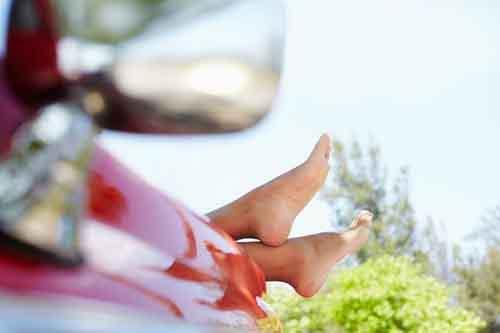 Уход за ногами избавит от проблем с позвоночником
