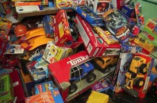 Какие игрушке не следует покупать ребенку?