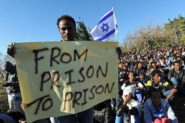 Report-says-Israel-offers-choice-to-African-migrants-Plane-ticket-or-prison