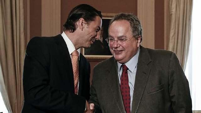 Спецпосланник Госдепартамента США Амос Хохштейн, ведёт переговоры министром иностранных дел Греции Никосом Котзиасом в Афинах
