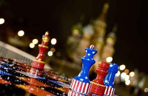 russia-u-s-cold-war-chess-board