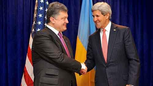 800px-Secretary_Kerry_Shakes_Hands_With_Ukrainian_President-elect_Poroshenko_Before_Meeting_in_Warsaw_01