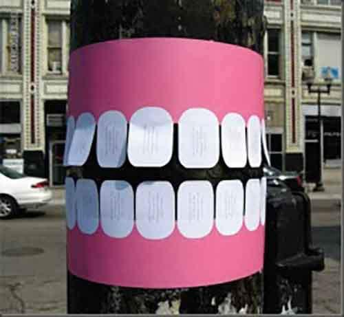 Реклама на столбах и консолях