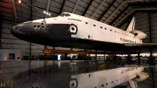 space-shuttle-endeavour-reflection