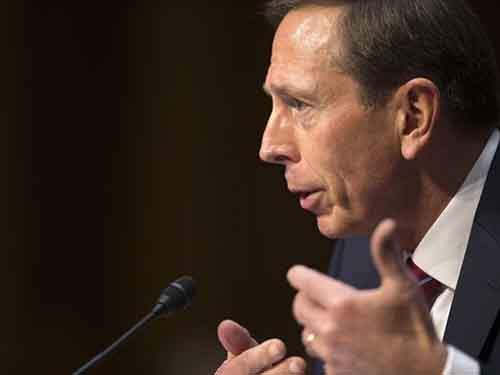 635785366739267207-Congress-Petraeus-Smal