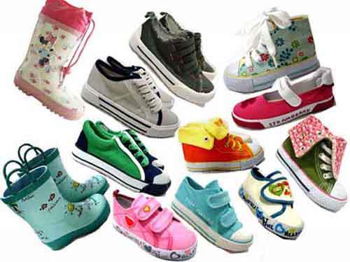 http://www.yoymininos.com/blog/wp-content/uploads/2011/09/childrens-shoes-1.jpg?w=300