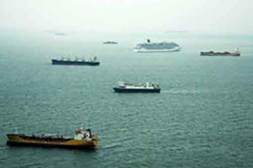 Скопление нефтяных танкеров в мировом океане указывает на перенасыщение рынка нефтью