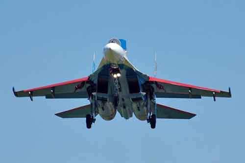 Su-27_Russian_Knights_02