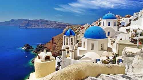 greece-santorini-seaside-resort