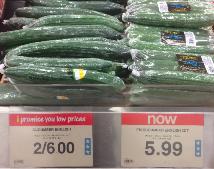 Канадцы паникуют: из-за обесценения канадского доллара взлетели  цены на продукты питания