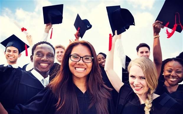 E3YTYW-graduates_2985431b