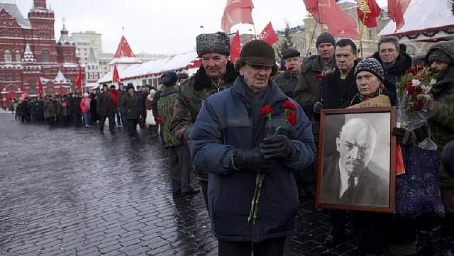 Колонна просоветских демонстрантов на Красной площади