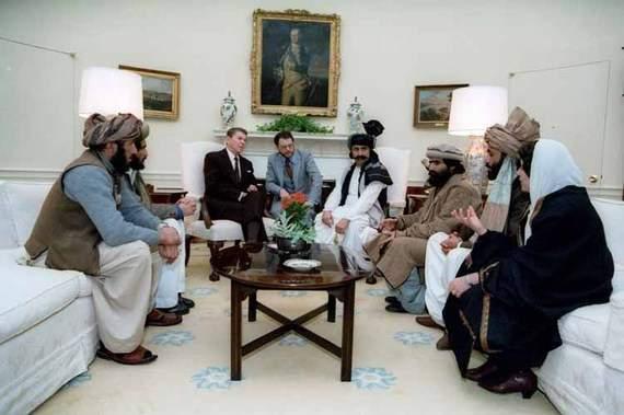 Командиры моджахедов с президентом Рейганом в 1985 году